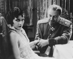 """Emil Jannings comforts Evelyn Brent in """"The Last Command."""""""